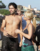 Adrian Grenier the new man of Paris Hilton?
