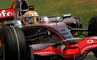 Formula 1: Lewis Hamilton takes pole for Australian Grand Prix