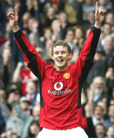 Ole Gunnar Solskjaer to retire at 34