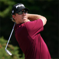 Hunter Mahan wins the Travelers Championship in a playoff